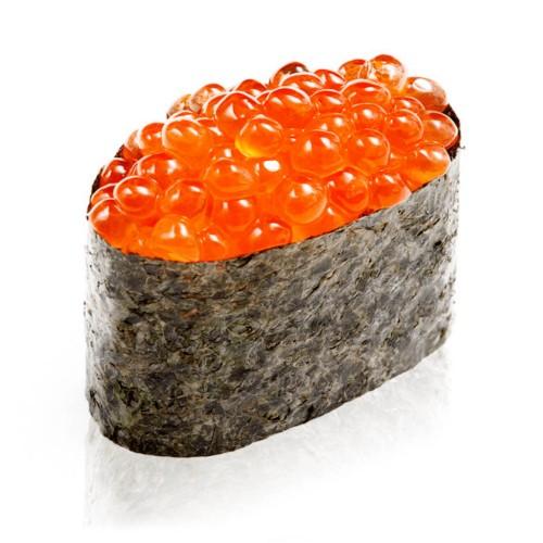 Суши Гункан с икрой лосося